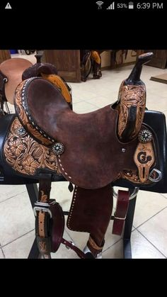 barrel saddle by jeff smith saddlery Barrel Racing Saddles, Barrel Saddle, Barrel Horse, Horse Saddles, Barrel Racing Outfits, Horse Halters, Horse Gear, My Horse, Horse Riding