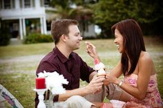 Picnic engagement shoot by Palm Beach Photography