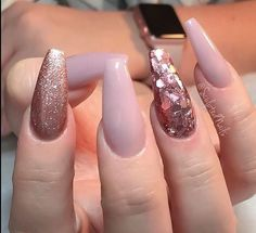 Long pink nails with two types of glitter - LadyStyle