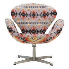 Arne Jacobsen Swan Chair reupholstered in Pendleton fabric! Rattan Armchair, Armless Chair, Wooden Beach Chairs, Pendleton Fabric, Pool Lounge Chairs, Swan Chair, Fire Pit Table And Chairs, Cool Chairs, Modern Chairs