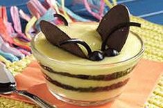 Bumble Bees pudding recipe. For all of the mommies throwing bumble bee and garden birthday parties. What's it gonna BEE gender reveal