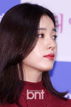 네이트뉴스 World Most Beautiful Woman, Beautiful Asian Girls, Korean Star, Korean Girl, Han Hyo Joo, Moon Chae Won, Korean Actresses, Queen, Korean Celebrities
