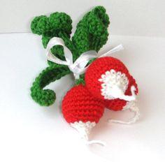 Hey, diesen tollen Etsy-Artikel fand ich bei https://www.etsy.com/de/listing/95640394/radish-play-food-crochet-vegetable