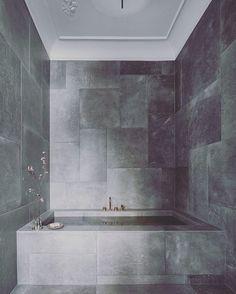 """1,108 likerklikk, 9 kommentarer – S T I L T J E (@stiltje.se) på Instagram: """"Wonderful bathroom! Diffrent size of tiles . Look at the ceiling. It makes the room. Picture from…"""""""