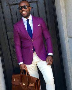 Purple blazer and white pants. Blazer Outfits Men, Groomsmen Outfits, Mens Fashion Suits, Fashion Pants, Mens Suits, Women's Fashion, Fashion Tips, White Dress Shoes, White Pants