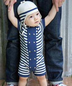 <3. Baby Bentley would look so adorable!  And kill me when he's sixteen for showing his girlfriend the picture!  NEED!!