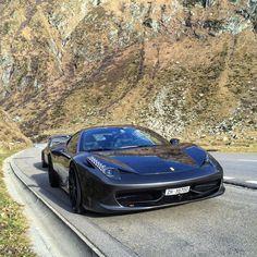 Roadtrip through the Gotthard Pass with @autogespot #ItsWhiteNoise #458 #911 @zalasin