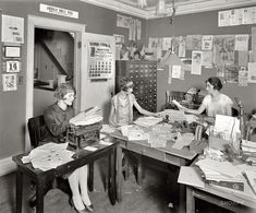 Office girls in the roaring twenties. 1925 by John McNab Shorpy Historical Photos, Historical Pictures, Belle Epoque, Old Pictures, Old Photos, Writing Pictures, Antique Pictures, Vintage Photographs, Vintage Photos