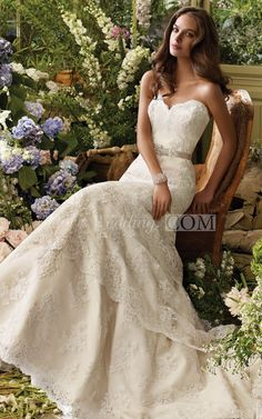 Alluring Sweetheart Neckline Tiered Lace Dress With Satin Ribbon