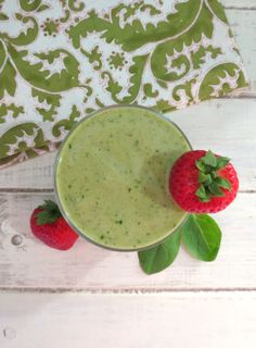Debloating Smoothie - A creamy, thick, healthy, all natural smoothie that is made with bananas, strawberries, pineapple and spinach that will help rejuvenate you and will help get rid of stomach bloat!