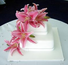 Wedding Cakes With Fresh Flowers 2012 Wedding Cakes one of the newest trends for new marriges. Wedding Cakes is an important part of. Fresh Flower Cake, Wedding Cakes With Flowers, Cake Flowers, Wedding Kiss, Wedding Show, Wedding Ideas, Dream Wedding, Beautiful Cakes, Amazing Cakes