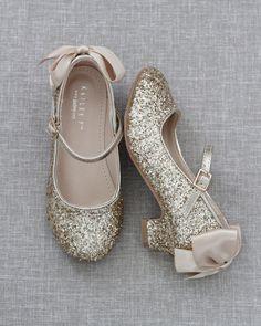 On Shoes, Dress Shoes, Shoes Heels, Dance Shoes, Girls Heels, Girls Sandals, Flower Girl Shoes, Flower Girls, Princess Shoes