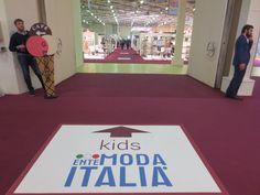 Allestimento collettiva italiana area kids per EMI