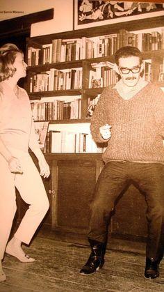 Gabriel García Márquez dancing 'the Twist' with Elena Garro.