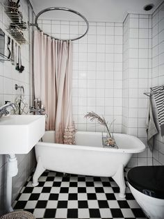 rideau de douche+tringle ronde carrelage damier
