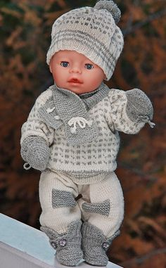 baby born clothes knit with Målfrid Gausel knitting pattern baby born kleidung stricken mit Målfrid Gausel strickmuster - Cute Adorable Baby Outfits Knitting Dolls Clothes, Knitted Dolls, Doll Clothes Patterns, Baby Knitting Patterns, Baby Patterns, Crochet Baby Mittens, Crochet Baby Blanket Beginner, Baby Born Clothes, Bitty Baby Clothes
