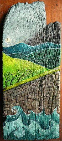 Encre acrylique sur bois — Inciau acrilig ar bren — Acrylic inks on wood  J'ai peint cette pièce pour un ami sur une planche de bois de cèdre vraiment érodée par le temps et l'usage. Les nombreuses stries naturelles et artificielles m'ont servies de base et d'inspiration pour l'image : la falaise a été peinte à l'endroit où c'était vraiment abîmé, le soleil à partir d'un nœud du bois, la pente de la colline dans une encoche profonde etc.  ☁ Facebook : www.facebook.com/Valeriane.Leblond.Art…