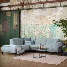 Living Room Inspiration, Sofa Design, Outdoor Furniture, Outdoor Decor, Sweet Home, New Homes, Couch, Interior, Home Decor