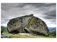 The Stone House (Portugal)
