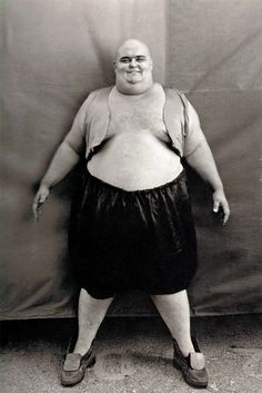 On Nov. 9th 2009, Harold Huge, a man billed as the very last sideshow fat man, died.  He weighed 607 pounds or so. Here he is in 1978.