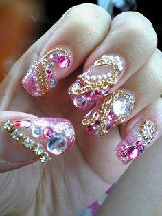 Wooow.. super bling en éstas  Uñas rosadas..