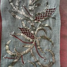 Tel sarma Turkish Fashion, Turkish Style, Needful Things, Couture, Hand Embroidery, Elsa, Christmas Wreaths, Cool Style, Diy Crafts