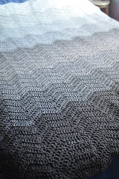 crocheted ripple blanket (http://attic24.typepad.com/weblog/neat-ripple-pattern.html)