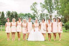 Bridesmaids are so important! :) Same dresses same colors so chic!  #bridesmaids #chic #pinit
