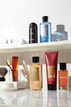 Whether you're looking for the perfect gift or to treat yourself, shop Men's Body Care from Bath & Body Works to find exactly what you're looking for! Bath N Body Works, Body Wash, Bath And Body, Skin Products, Beauty Products, Close Shave, Men Gifts, Fragrance Mist, Men's Grooming