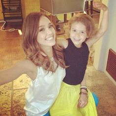 Jessica Alba´s daughter! They have the same eyebrows!