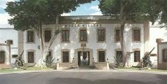 En Santa Cruz de Tenerife podemos ver el Fuerte de Almeyda, en la actualidad  Museo Militar Regional de Canarias.