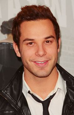 Skylar Astin, I grew a crush on him after watching pitch perfect <3
