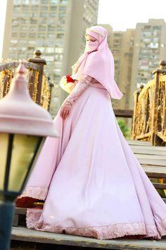 Niqab Muslim Wedding Dresses, Muslim Brides, Pink Wedding Dresses, Niqab Fashion, Muslim Fashion, Islam Women, Girls Status, Hijab Bride, Hijabi Girl