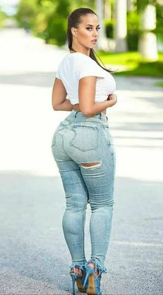 Superenge Jeans, Sexy Jeans, Skinny Jeans, Curvy Women Fashion, Girl Fashion, Curvy Girl Lingerie, Curvy Outfits, Jeans Outfit Summer, Girls Jeans
