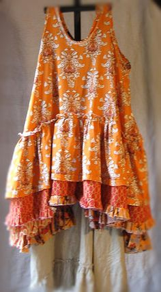 tina givens - prairie dress by Gloria Garcia Sewing Clothes, Diy Clothes, Print Patterns, Sewing Patterns, Altered Couture, Mode Vintage, Gypsy Style, Mode Style, Retro