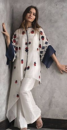 Fashion Style Boho Tunics Ideas For 2019 Effective Pictures We Offer You About Women Pants diy A quality picture can tell you many things. You can find the most beautiful pictures that can be presented to you about Women Pants street Pakistani Fashion Casual, Pakistani Dresses Casual, Pakistani Dress Design, Hijab Fashion, Fashion Dresses, Indian Fashion Trends, Fashion Brands, Fashion Ideas, Fashion Tips