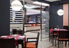 Relájate en nuestra #cafetería de ILUNION Suites de Madrid. http://www.ilunionsuitesmadrid.com/