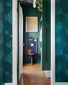 How designer Dee Murphy made an impossibly small bedroom look chic. Read on to see the before-and-after photos Swedish Home Decor, Swedish House, Best Interior, Interior Design, Green Painted Walls, Living Room Decor, Bedroom Decor, Bedroom Themes, Living Spaces