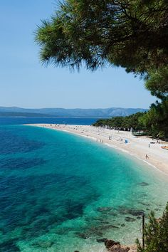 Zlatni Rat Beach Wit