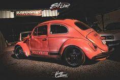 """Volks Rod 1500 by Suspensport Chapeco.  Eixo alongado em 25cm pneus 275/55, bancos """"bomber seat"""" de latão."""