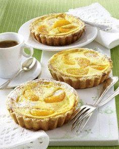 Das Rezept für Käsekuchen-Tarteletts mit Mandarinen und weitere kostenlose Rezepte auf LECKER.de