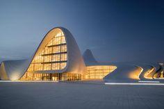ヘイダル・アリエフ文化センター | wondertrip