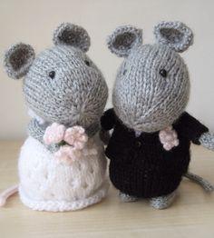 Wedding nice toy knitting pattern.