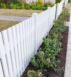 White picket fence ideas how to make a picket fence a white picket fence is a . white picket fence ideas white fence for garden Backyard Fences, Garden Fencing, Fenced In Yard, Front Yard Landscaping, Pool Fence, Privacy Landscaping, Landscaping Ideas, Easy Fence, White Fence