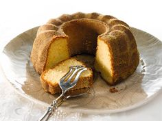 Inkiväärikakku on lempeän mausteinen kahvipöydän leivonnainen. Cravings, French Toast, Cooking Recipes, Sweets, Bread, Breakfast, Food, House Cafe, Pound Cakes