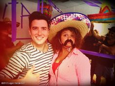 STAREE Logan Henderson: Hey @iamrachelcrow! Come look at how good we look! Hahaha
