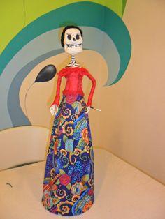 Catrina elaborada por Carolina Castro y Carla Crisanty en el club de arte MB