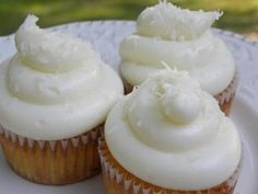 ▶ Cup Cakes de Piña con Coco / receta de postres / receta de pasteles - YouTube