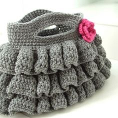 Free crochet purse pattern.