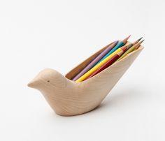 Tropical Bird oiseau pour bureau par Matter&Matter - Diy and crafts interests Design Blog, Deco Design, Wood Design, Design Design, House Drawing For Kids, Tropical Birds, Whittling, Wood Toys, Wood Carving